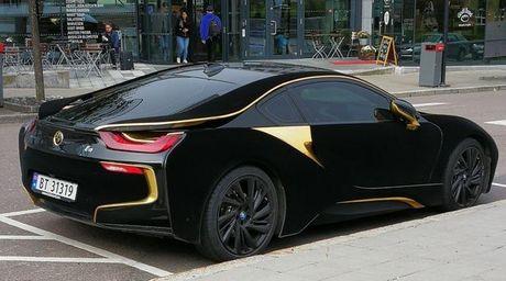 Sieu xe BMW i8 boc nhung den, ma vang 'cuc doc' - Anh 5