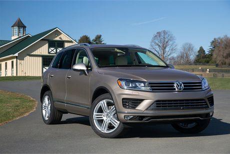 Volkswagen trieu hoi gan 74.000 chiec Touareg do loi ro ri nhien lieu - Anh 1
