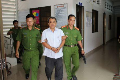 Bat nguyen Giam doc va Pho Giam doc So KH-CN Tra Vinh - Anh 2