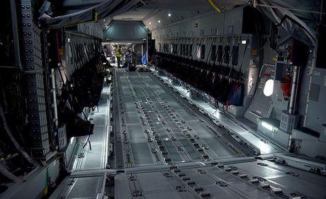 On troi: Sau 52 nam C-130 da tim duoc ke 'noi doi' - Anh 4