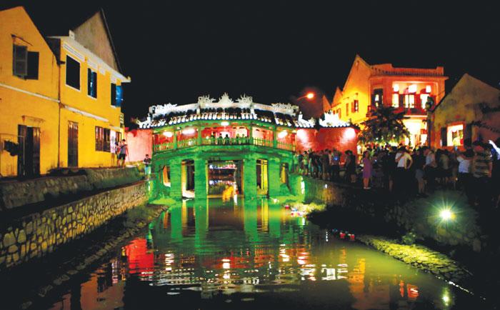 Lộng lẫy đêm phố cổ Hội An - Phố cổ Hội An - Di sản văn hóa thế giới
