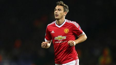 Chelsea tinh gay soc voi Matteo Darmian - Anh 1