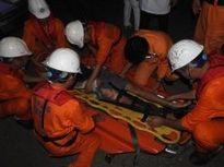 Cứu kịp thời ngư dân bị tai nạn lao động