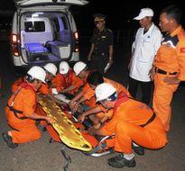 Cứu kịp thời ngư dân bị tai nạn nguy kịch trên biển