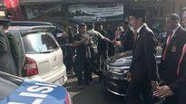 Tổng thống Indonesia xuống xe cuốc bộ 2 km vì tắc đường