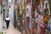 Con ngõ nhỏ ở Thủ đô vô cùng lãng mạn với bức tranh tường 3D cực kỳ ấn tượng
