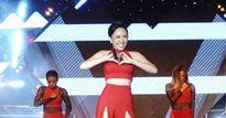 Dự báo 'không còn một chỗ trống', sự kiện thời trang âm nhạc khiến fan... nổi loạn