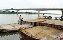 Hà Nội: Siết chặt kiểm tra khai thác cát, bãi tập kết vật liệu xây dựng ven sông