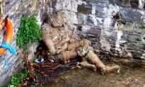 Bí ẩn 'người xác ướp' trôi dạt vào bờ sông