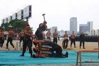Xem chiến sĩ đặc nhiệm nằm bàn đinh, nhảy lên mảnh sành...bảo vệ APEC