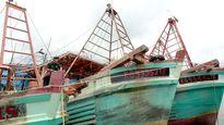 Tàu cá tái phạm ra nước ngoài sẽ bị tước quyền đánh bắt