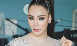 Hồ Quỳnh Hương diện trang phục xuyên thấu, khoe vũ đạo gợi cảm
