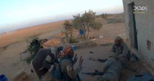 Al-Qaeda Syria bắt và hành quyết tại chỗ nhóm chiến binh IS (viddeo)