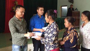 Báo Thanh Niên hỗ trợ người dân bị thiệt hại do bão số 10