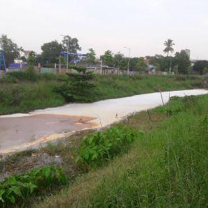 Kiểm tra các cống xả thải từ nhiều khu công nghiệp ra kênh Ba Bò
