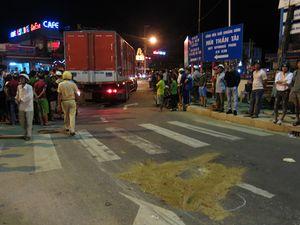 Nữ sinh 14 tuổi trên đường đi học thêm tử vong dưới bánh xe tải