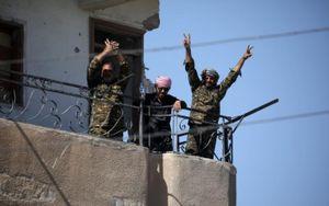 Cận cảnh lực lượng SDF tiến vào Raqqa (Syria) sau khi đánh bại IS