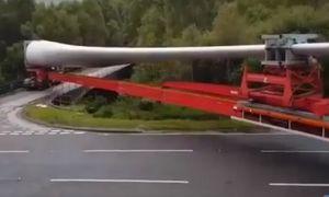 Những pha vào cua siêu đỉnh của các tài xế xe tải