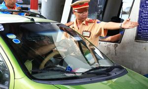 Được công an mời lên làm việc lần 2, tài xế trả tiền lẻ qua trạm BOT Biên Hòa nói gì?