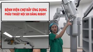 Bệnh nhân Việt được phẫu thuật bằng robot