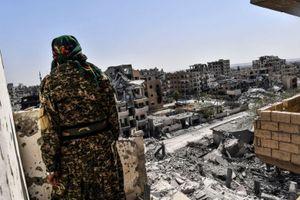 'Địa ngục trần gian' bên trong 'thủ đô' cuối cùng của IS
