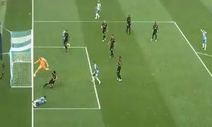 Những pha cứu thua không tưởng của thủ môn
