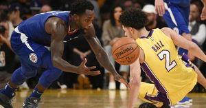 Patrick Beverley khiến Lonzo Ball có ngày ra mắt khốn khổ tại NBA