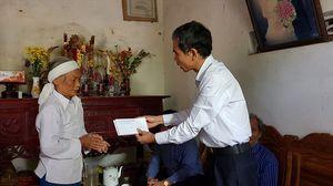 LĐLĐ Thanh Hoá chia sẻ đau thương với gia đình có người thân thiệt mạng trong lũ dữ