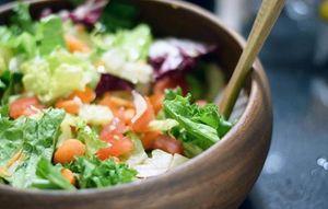 Trường mầm non dùng rau chứa thuốc trừ sâu làm thức ăn cho học sinh