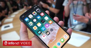 Tin ICT 20/10: iPhone X sẽ 'cháy hàng' ngày đầu mở bán khi chỉ có 3 triệu máy được bán ra