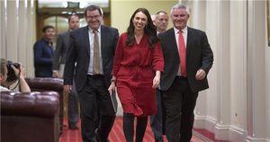 New Zealand có nữ Thủ tướng trẻ nhất lịch sử, Đô-la sụt giá thê thảm