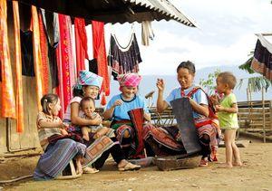 Tăng cường vận động đồng bào vùng Tây Bắc tham gia BHXH tự nguyện và BHYT hộ gia đình