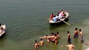 Người đàn ông đuối nước trước sự bất lực của 29 người chứng kiến