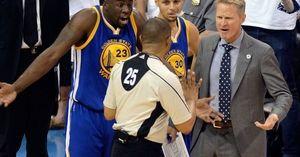Sao Warriors nói gì sau khi Stephen Curry và Kevin Durant bị đuổi