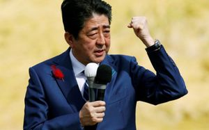 Bầu cử ở Nhật Bản: Ông Abe dự kiến thắng dễ dàng