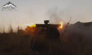 Xe tăng Syria nổ tung sau khi trúng tên lửa