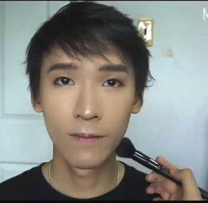 Các quý ông 'phát cuồng' với kiểu make up chuẩn oppa