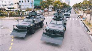 Mục kích dàn xe đặc chủng của công an, quân đội bảo vệ APEC
