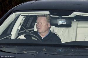 Đội bóng của Rooney sa thải HLV Koeman