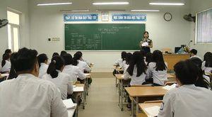 Giáo viên ngỡ ngàng vì cấm dạy học ngoài sách giáo khoa