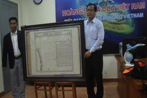 Việt kiều Mỹ tặng bản đồ quý về Hoàng Sa cho Đà Nẵng