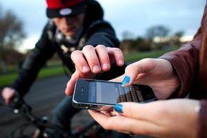 Bắt gã thanh niên đi xe Air Blade cướp giật điện thoại trên đường vắng