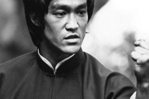 Cát-xê đóng phim của Lý Tiểu Long là bao nhiêu?