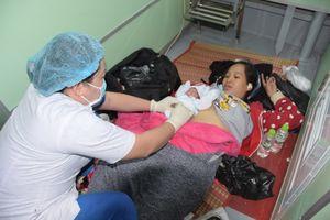 Bác sĩ 'bất đắc dĩ' giúp sản phụ sinh con trên tàu cao tốc