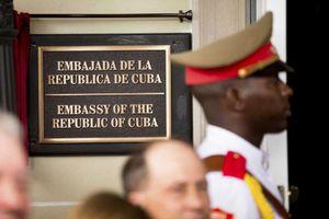 Mỹ bất ngờ trục xuất hai nhà ngoại giao Cuba