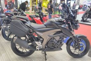 Môtô 'phượt' Suzuki GSX-S150 giá 40 triệu đồng