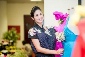 Hoa hậu Ngọc Hân giới thiệu bộ sưu tập mới trong 'Đêm lụa Bảo Lộc'