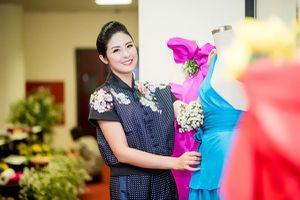 Hoa hậu Ngọc Hân tôn vinh lụa tại 'thủ phủ' của tơ lụa Việt Nam