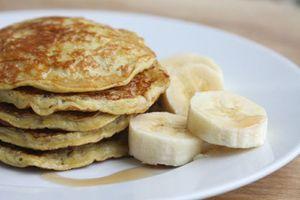 Bánh chuối cuộn trứng đơn giản cho bữa sáng