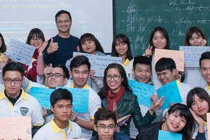 210 sinh viên đại học trở thành đại sứ an toàn giao thông trong trường đại học